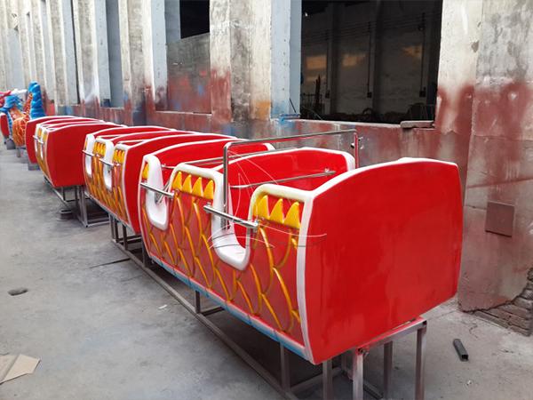 Dragon wagon carnival ride