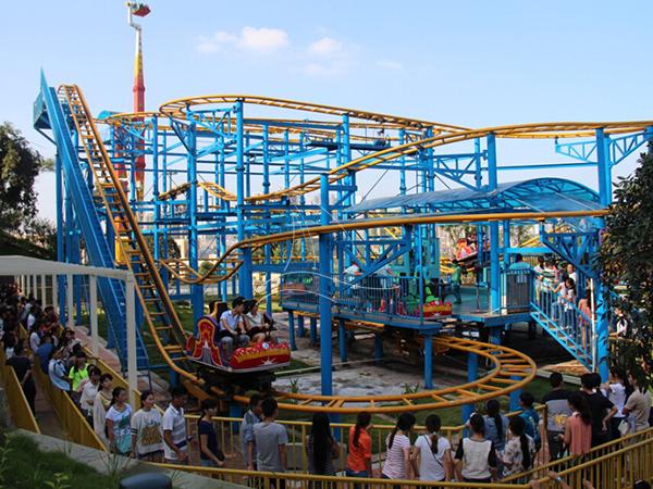 Rotating Pulley Amusement Ride