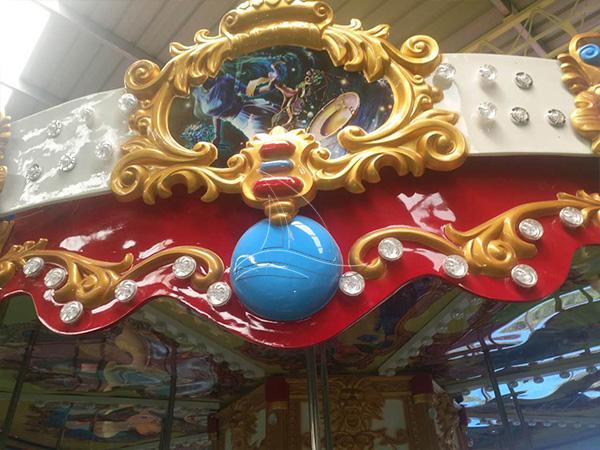 Amusement park carousel horse rides (1)