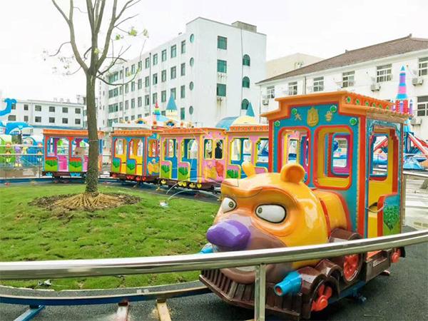 Bear Cartoon Track Train