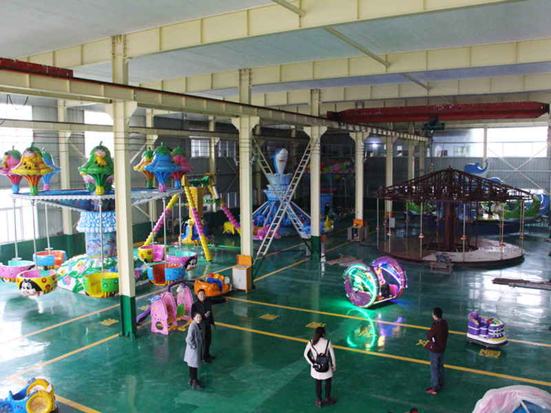 Exhibition-room-of-Jinshan-carnival-rides