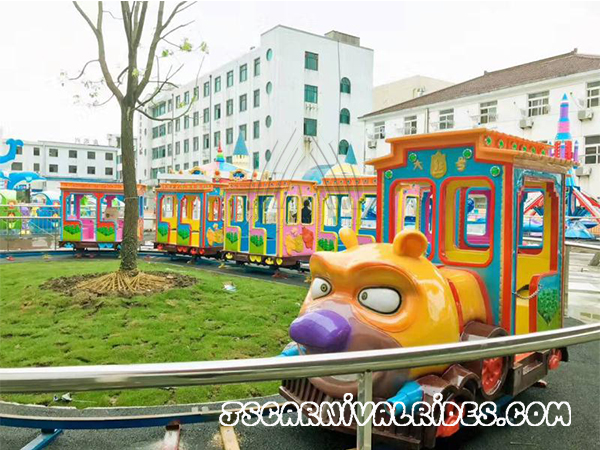 Kids Bear Cartoon Design Track Train