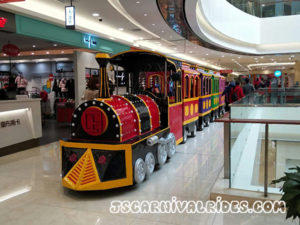 shopping mall trackless train 01