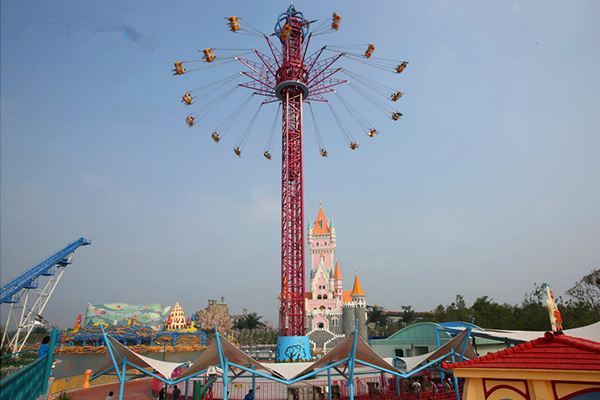 Swing fly tower ride